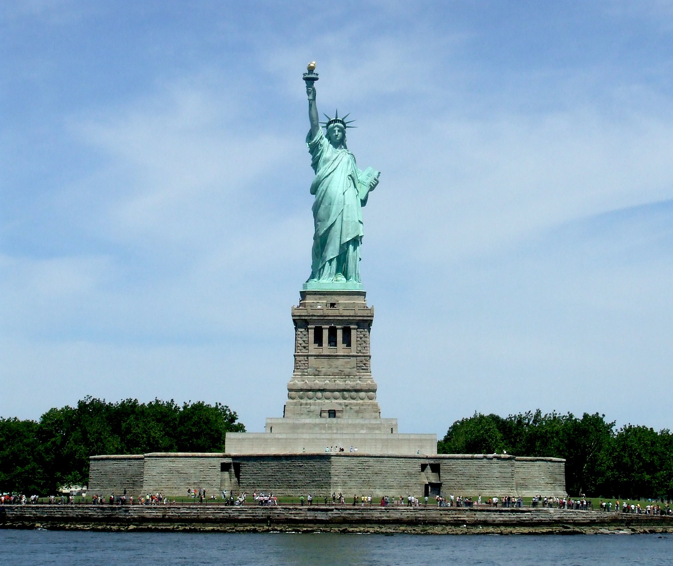 The Statue of Liberty, an enduring symbol of the American dream. Credit: Wikimedia Commons