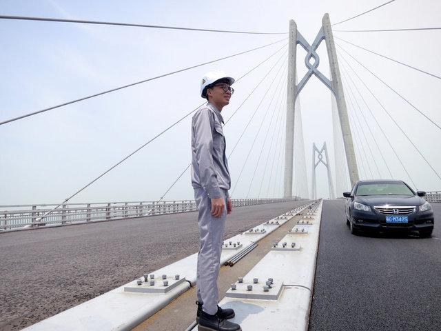 China-Hong Kong Bridge to Unite More Than Just Economies