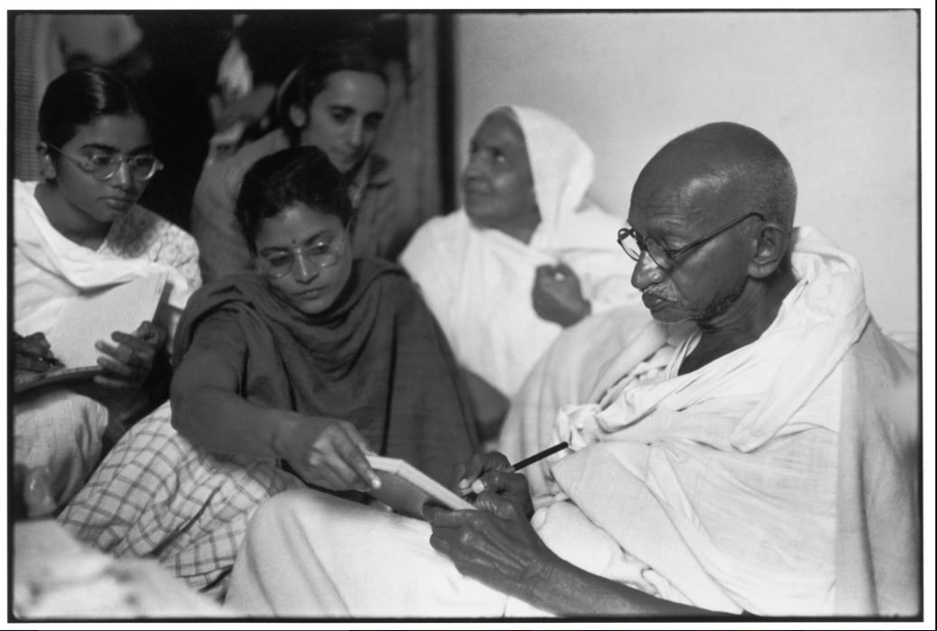 Astrologers, Refugees and Gandhi in Cartier-Bresson's New York Show