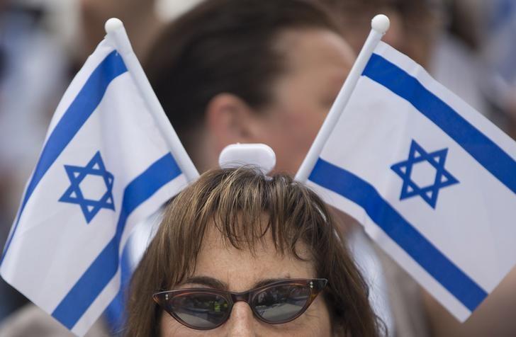 Israel Risks Anti-Establishment Resentment Over Widening Wage Gap