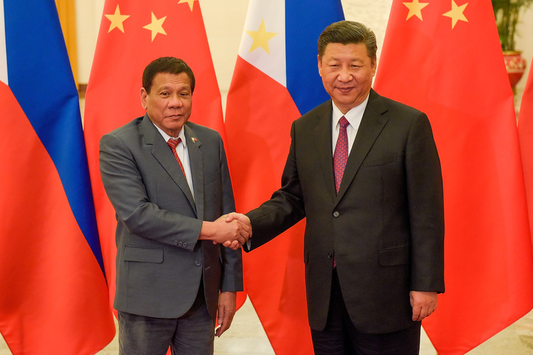 China and the US Vie for Friendship With the Philippines, While Duterte Hedges