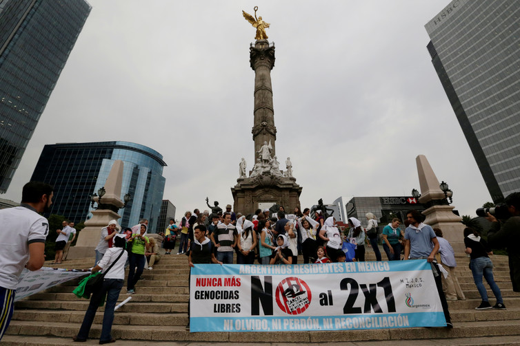 Argentines protesting the 'two-for-one' decision of their Supreme Court. Credit: Carlos Jasso/Reuters