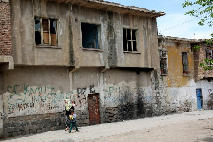 Peace With Kurds in Ruins on Both Sides of Turkish Border