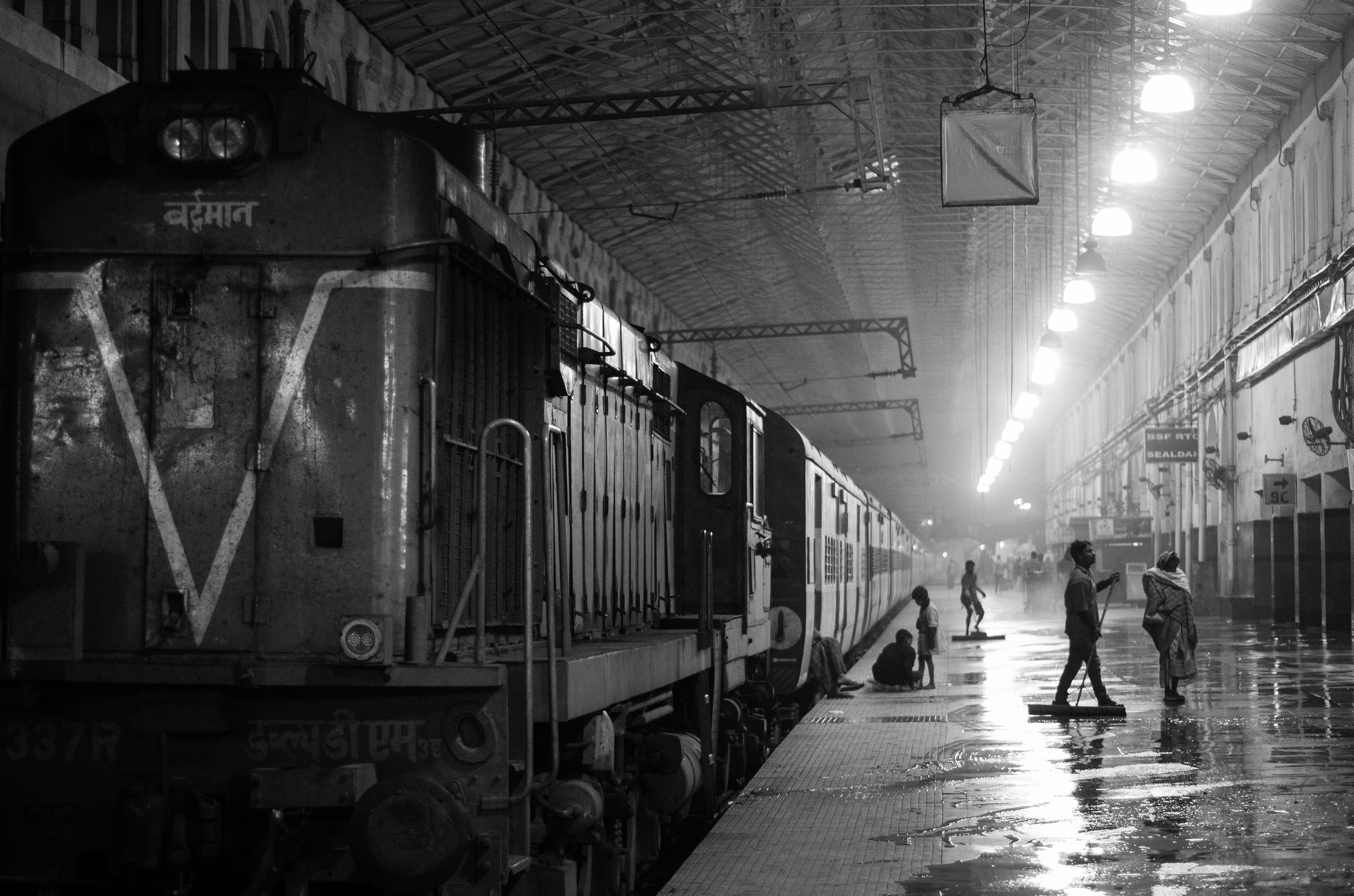 Railways and the Raj: Travelling Through 'Bad Imperialism' and 'Good Nationalism'