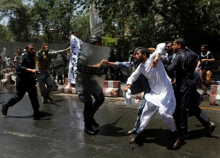 Afghans Protesting After Truck Bomb Killed in Clashes With Police