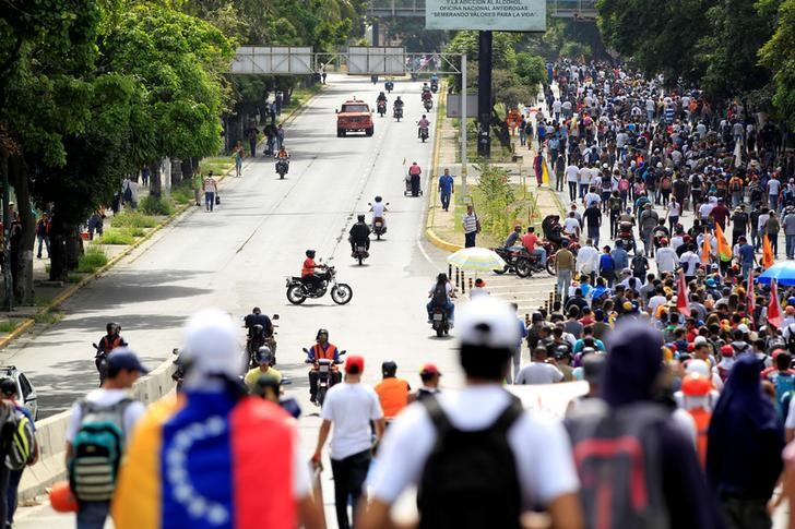 Mexico Seeks OAS Resolution to End Violence in Venezuela