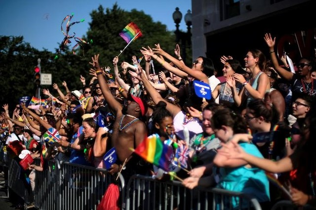 Thousands Come to Washington Pride Parade Despite Protests