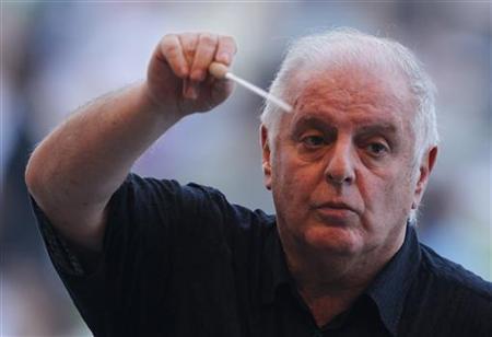 Music Conductor Barenboim Speaks out Against Israeli-Palestinian Divide at West Bank Concert