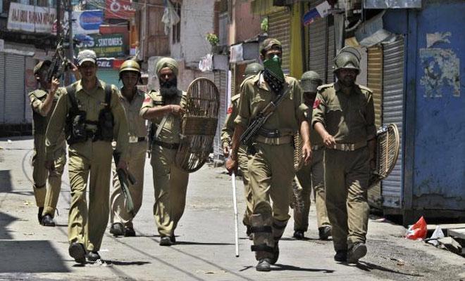 Police in Kashmir. Credit: PTI
