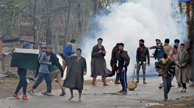 Student injured in stone pelting in Shopian