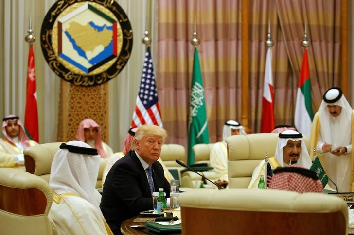 Trump Picks Sides in Arab Rift, Supports Isolation of Qatar