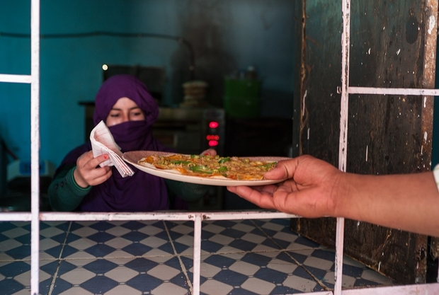 A Sahrawi Refugee Woman Is Using Her Mercedes to Deliver Pizza