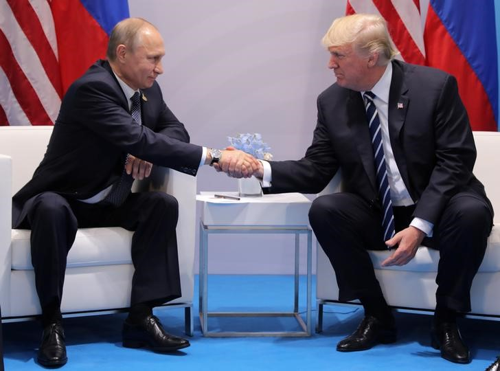 At First Meet, Trump and Putin Try to Move Past US Election Meddling Claims