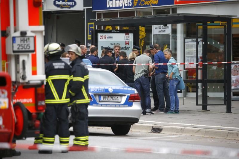 One Dead in Hamburg Supermarket Knife Attack, Motive Unclear