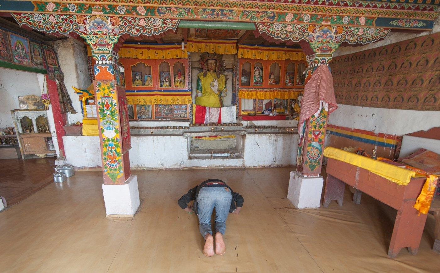 The Bropkas are devout Buddhists. Lagam has a smallgompafor prayers. Credit: Ritayan Mukherjee