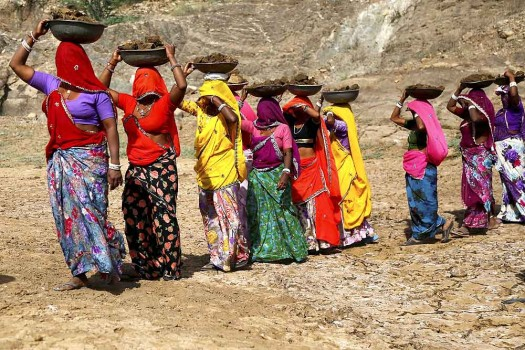MGNREGA workers on the outskirts of Ajmer, Rajasthan. Credit: PTI
