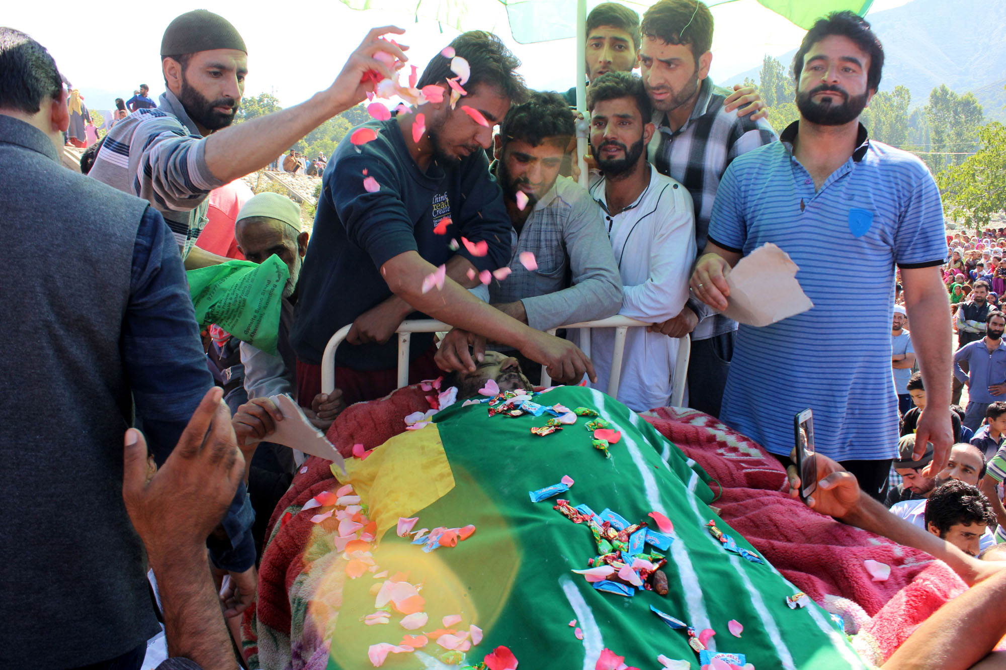 Mourners carrying body of LeT commander Bashir Lashkari in his native village of Sopshali Kokernag in South Kashmir. Credit: Vikar Syed