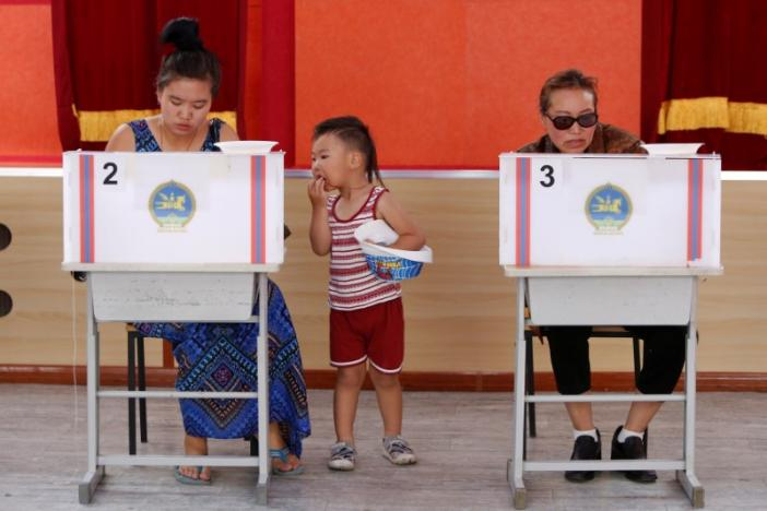 Mongolians Vote for New President Despite Apathy