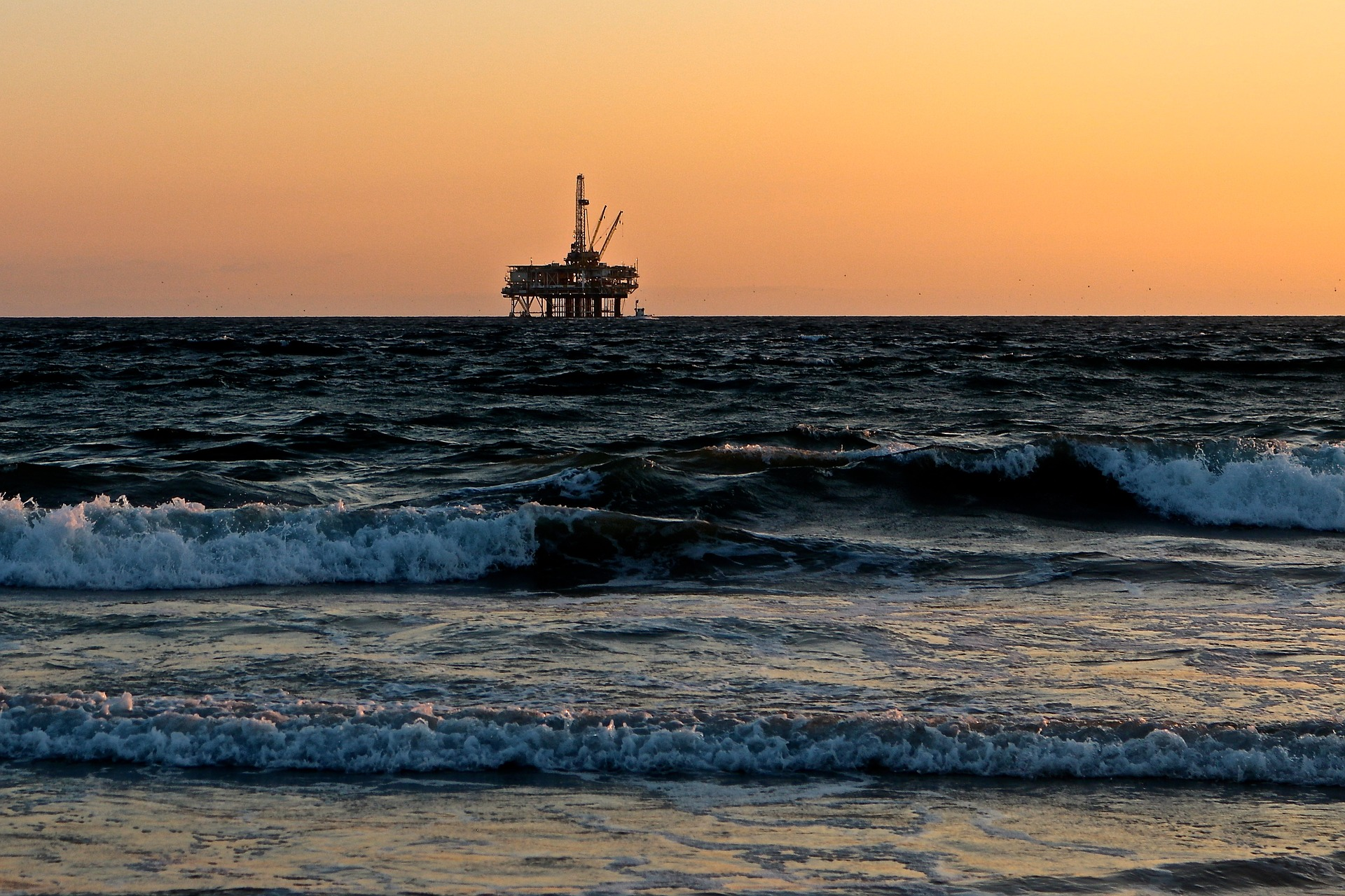 Exxon had suppressed scientific data over a period of more than 40 years to continue profiting from its operations in the Beaufort Sea. Representative image. Credit: catmoz/pixabay