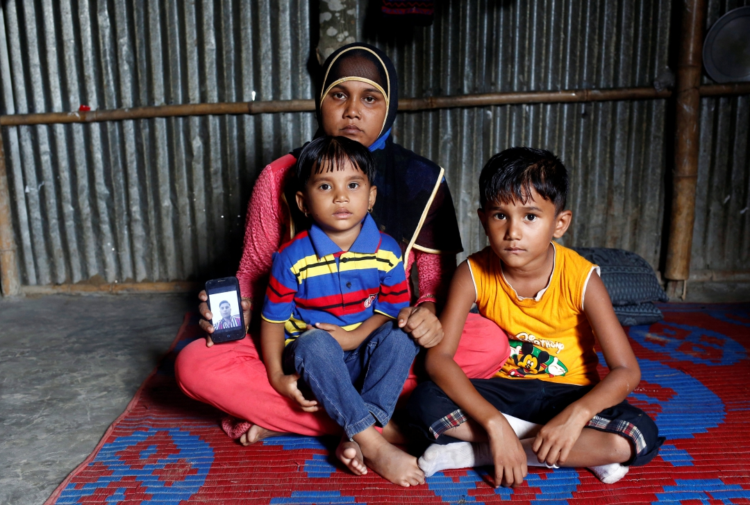 Rohingya in Bangladesh Camps Terrorised by Murders and Masked Men