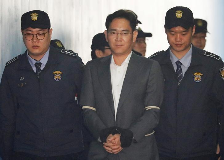 Samsung Head Jay Y. Lee Fights Back Tears As Prosecutors Push for 12-Year Jail Term