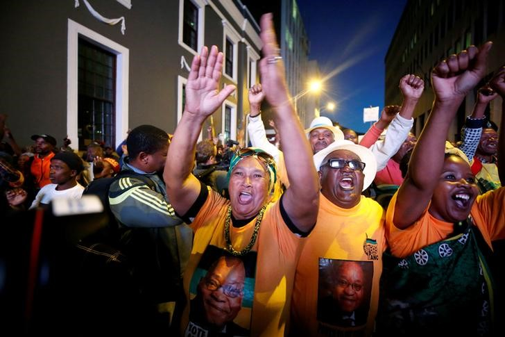 South Africa's President Zuma Survives No-Confidence Vote