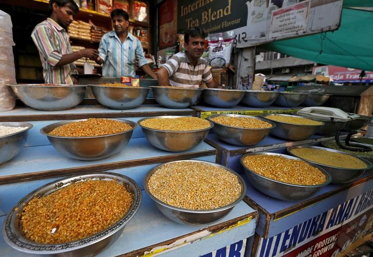India's Retail Inflation Picking Up For First Time in Four Months
