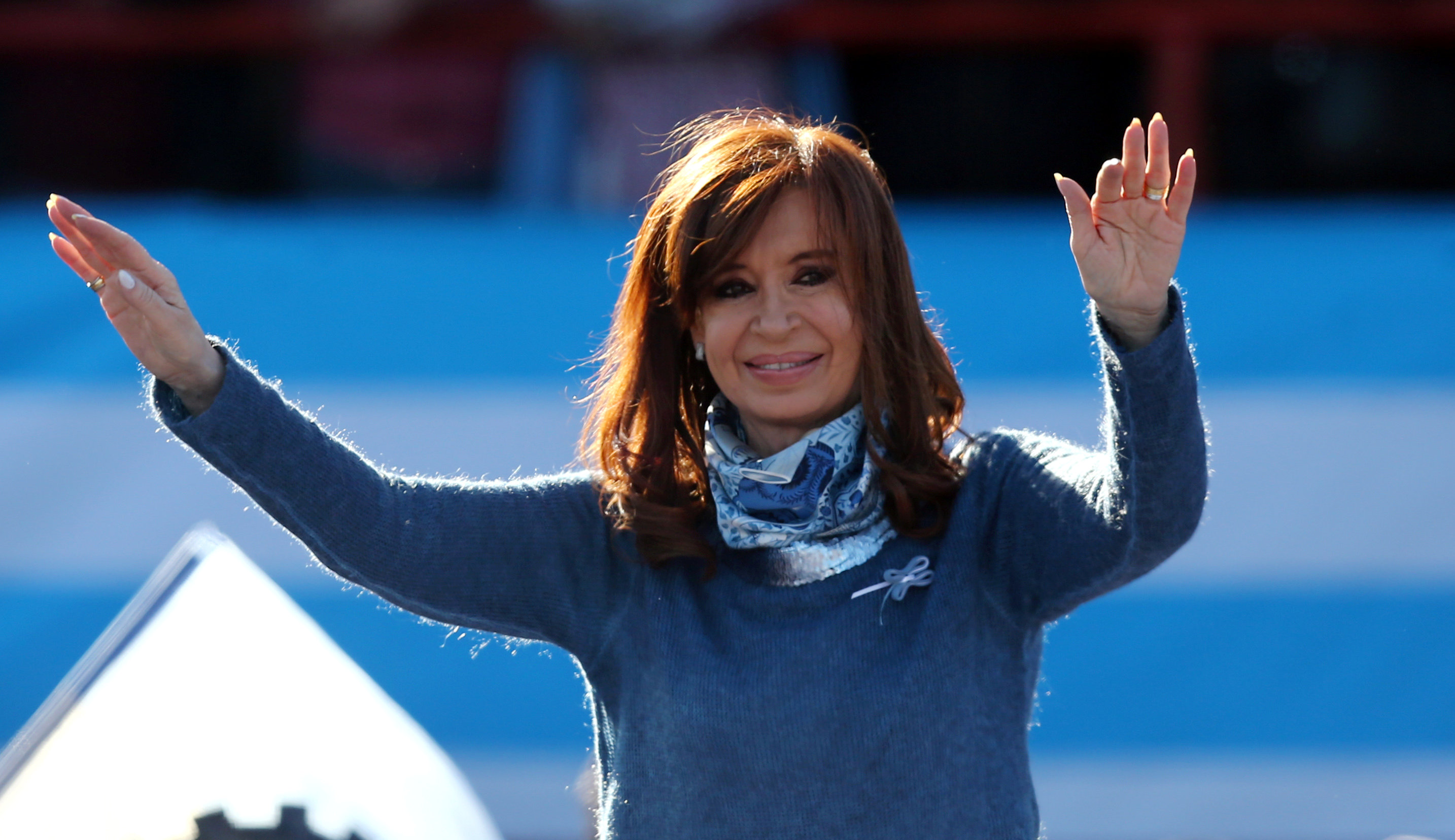Fernandez and Macri Nearly Tied in Argentina's Senate Primary