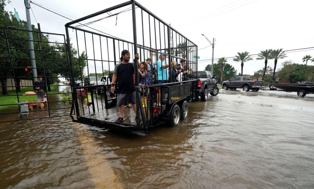 Tropical Storm Harvey Makes Landfall Again, Texas Death Toll Mounts