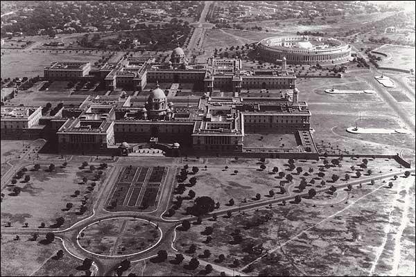 Underlining the tale of designing and construction of New Delhi's crown jewels is a story of a long-standing friendship turning sour. Credit: Wikimedia Commons