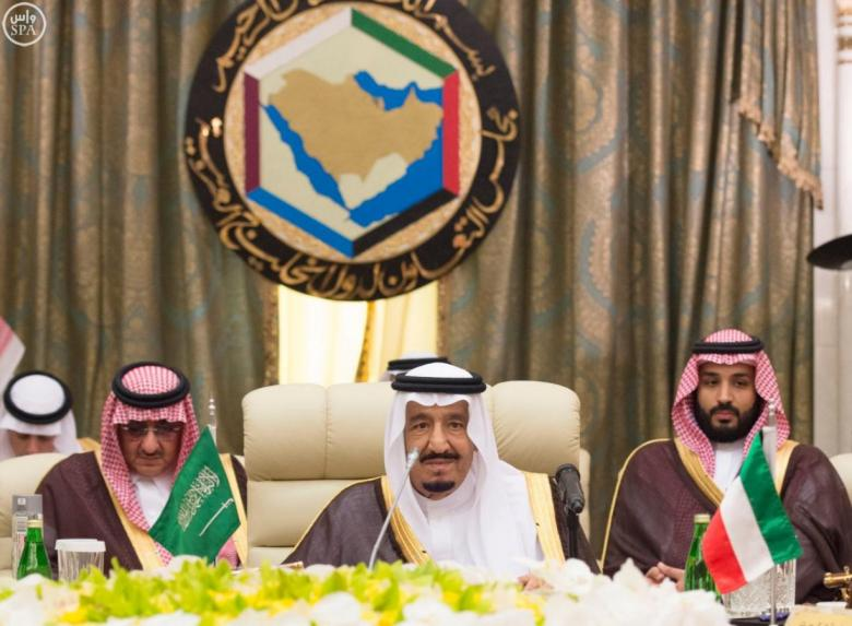 Saudi King Salman (C) attends a Gulf Cooperation Council (GCC) summit in Jeddah, Saudi Arabia May 31, 2016. Credit: Saudi Press Agency/Handout via Reuters
