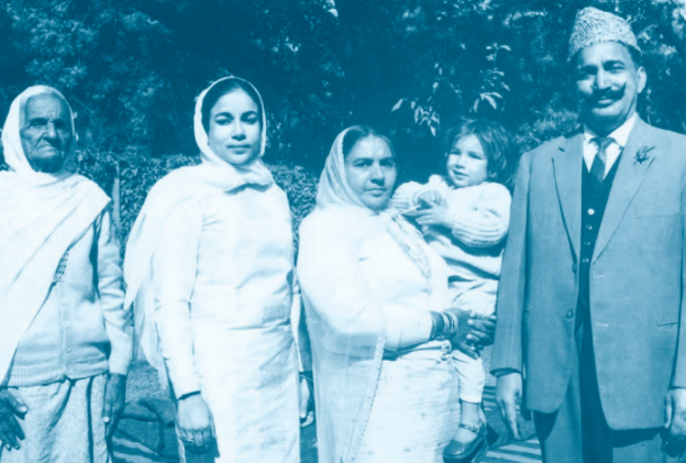 Four generations of the Gujrals: Kundan Lal Gujral with his wife, Prakash Devi, holding their grandson, Monish. Standing next to Prakash Devi is daughter-in-law, Rupa; and Kundan Lal's mother, Maya Devi. Courtesy: Roli Books