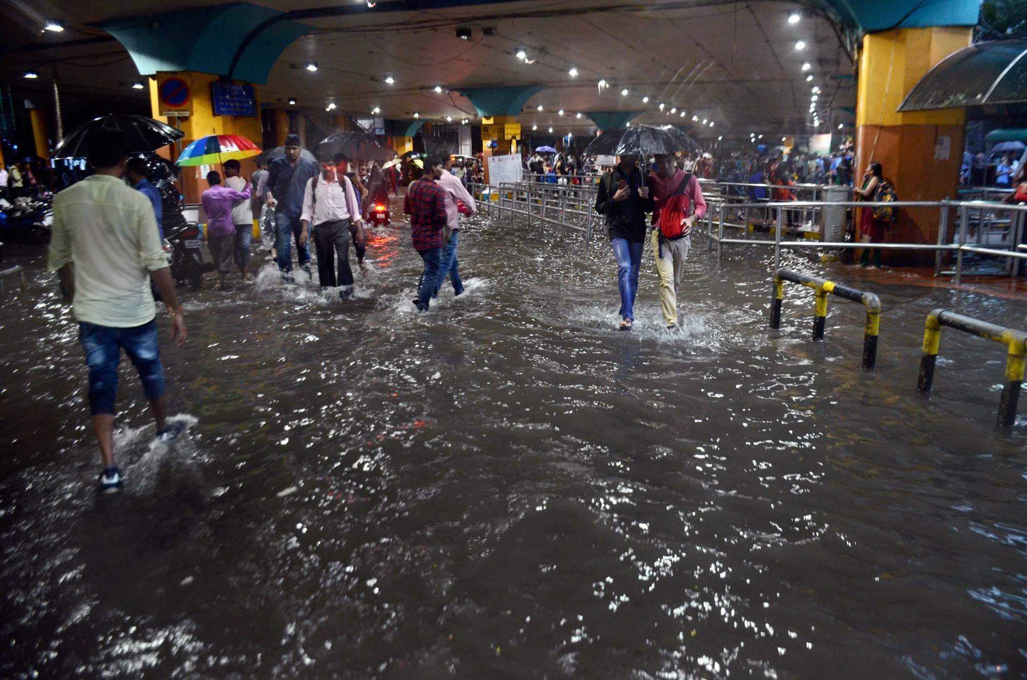 Mumbai Rains Four Dead Schools Offices Closed The Wire