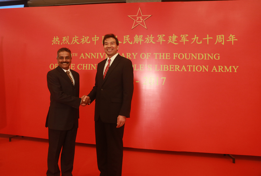 Air Vice Marshal S. Prabhakaran with Chinese ambassador to India Luo Zhaohui. Credit: china-embassy.org