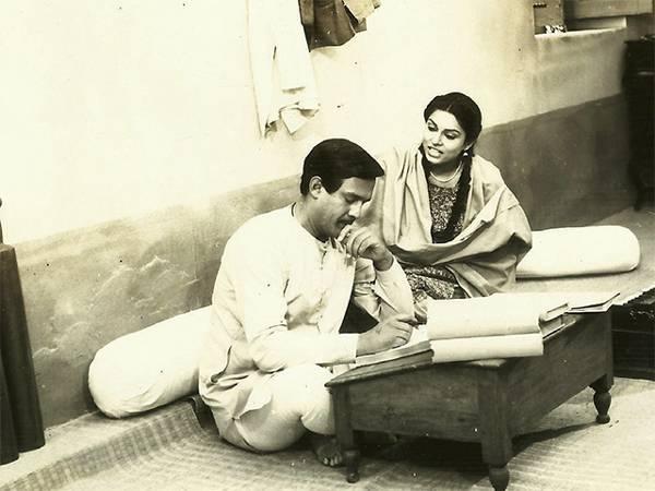 Alok Nath and Kiran Juneja in a still from the television serial Buniyaad. Credit: YouTube