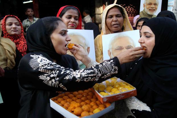 Muslim women celebrate the Supreme Court verdict on triple talaq in Mumbai. Credit: PTI