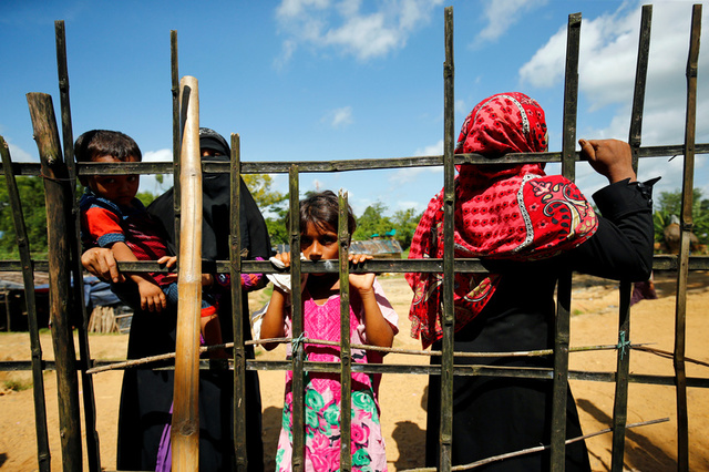 Thousand More Rohingya Flee as the Violence in Myanmar Escalates
