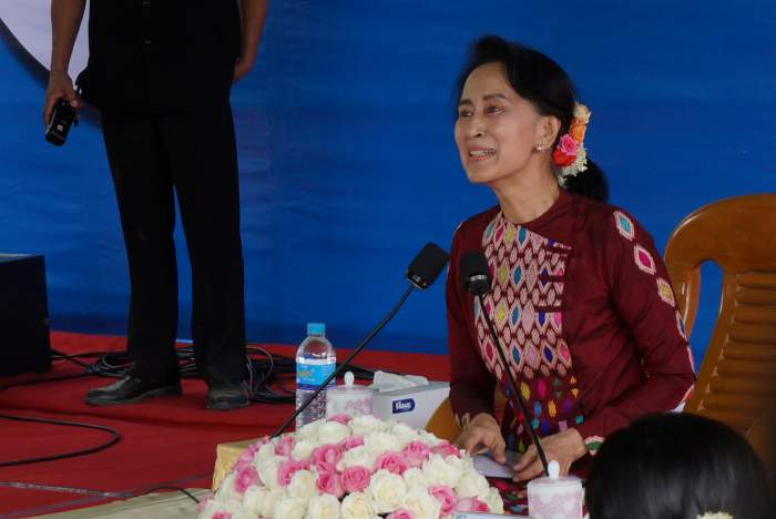 Myanmar's Suu Kyi Avoids Independent Press and Turns to State Media Instead