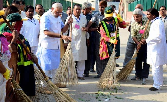 Prime Minister Narendra Modi in a Swacch Bharat event. Credit: PTI