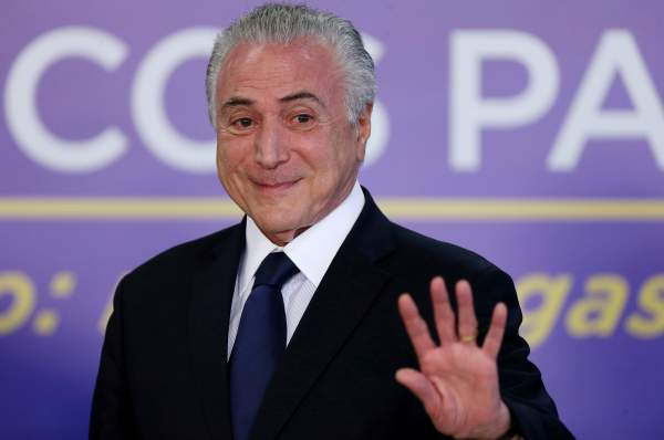 Brazil's Temer Wins Congressional Votes to Beat Corruption Charge