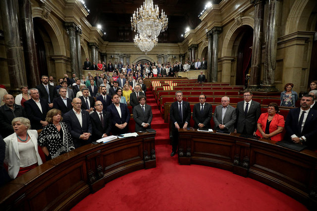 Catalonia Parliament Votes for Referendum on Split From Spain