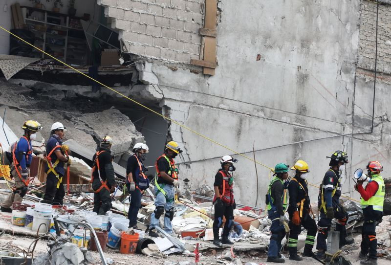 Mexico Unlikely to Find More Earthquake Survivors, Says Emergency Chief