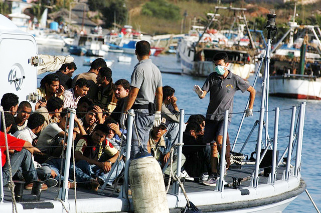 Migrants arriving on the Island of Lampedusa, Italy. Credit: Sara Prestianni / noborder network. Creative Commons Attribution 2.0 Generic license.