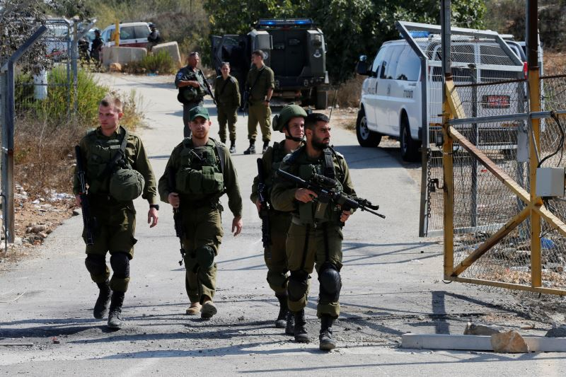 Three Israeli Guards Gunned Down by Palestinian at West Bank Settlement