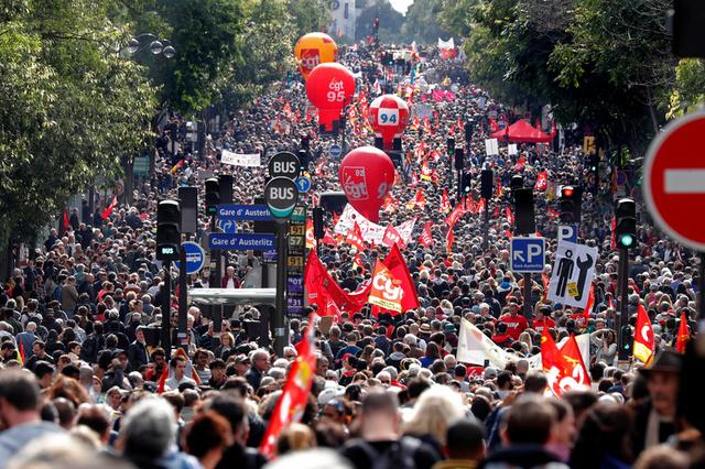 After Macron Chides 'Slackers', Hardliners Protest French Labour Reform