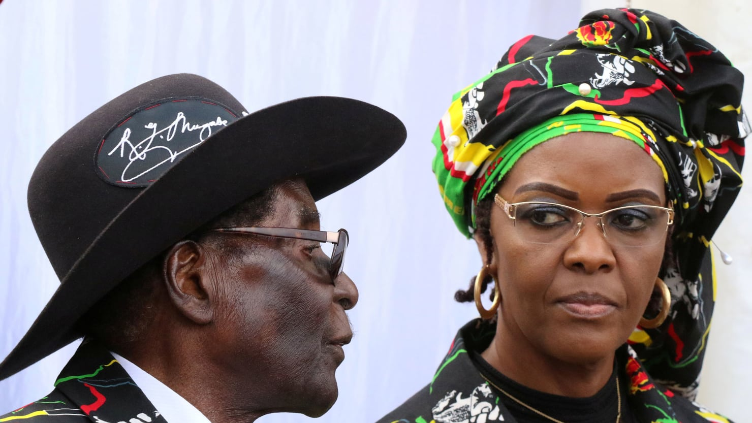 After a Surreal Month, Zimbabwe Looks for Mugabe's Successor