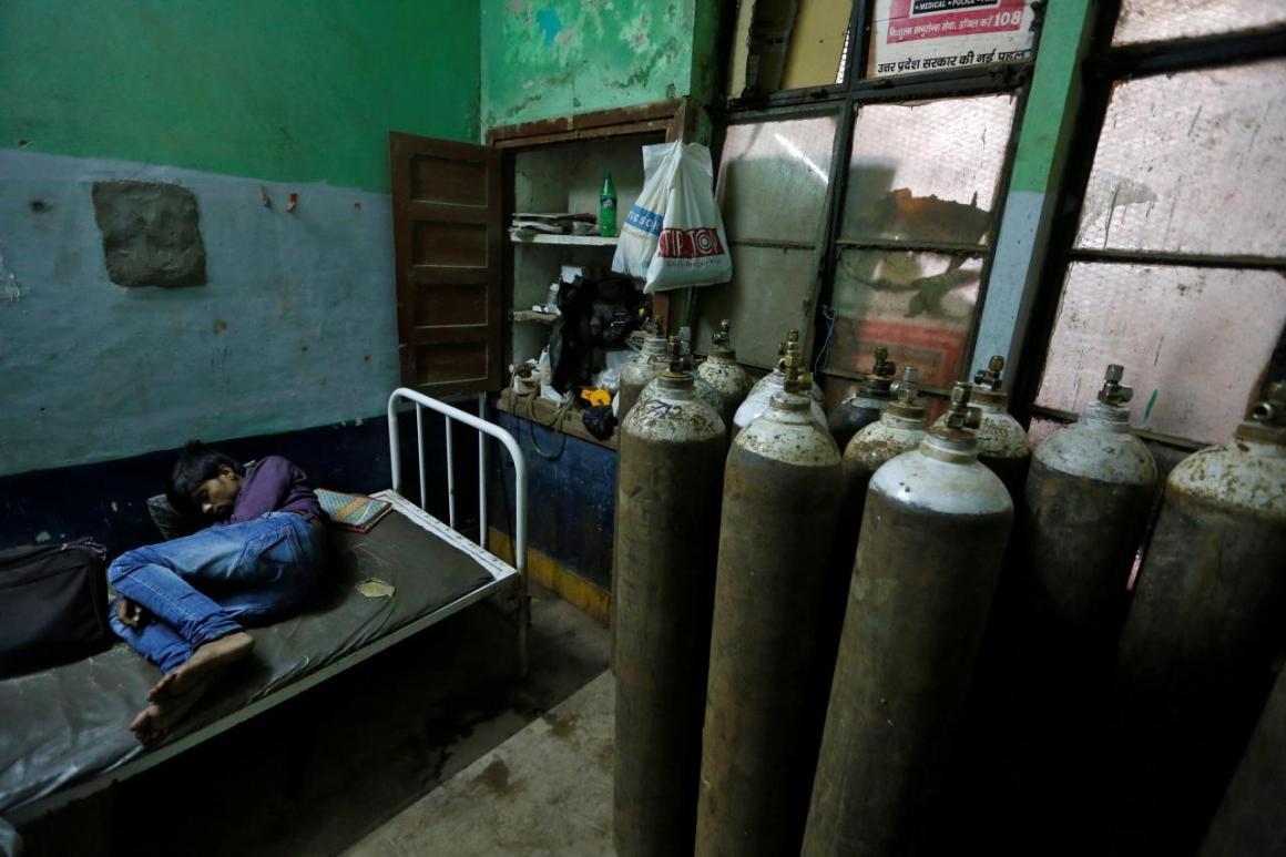 Kafeel Khan, Ex-Nodal Officer at Gorakhpur's BRD Hospital, Arrested