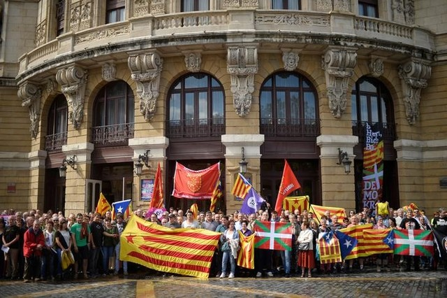 Catalan Mayors Defy Spanish Courts Ahead of Independence Vote