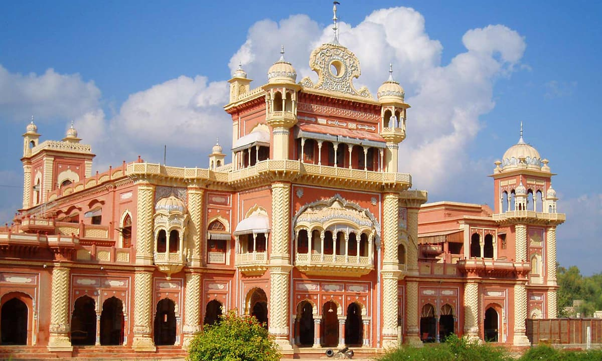 Faiz Mahal, built by the Talpur rulers of Khairpur in Sindh. Credit: Wikimedia Commons