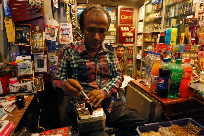 Health Ministry Plans to Stop Cigarette Shops From Selling Candy, Soft Drinks